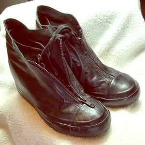 CONVERSE Hidden Wedge Butter Leather Black Hightop